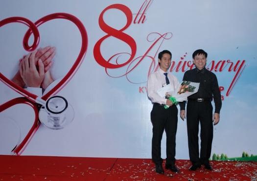 ĐẠT GIẢI BÁC SĨ XUẤT SẮC NHẤT VICTORIA HEALTHCARE 2013