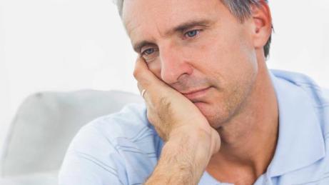 HG955_man-sad-testosterone-deficiency_FS