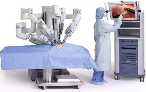 Lần đầu tiên tại Việt Nam, triển khai phẫu thuật nội soi bằng robot cho ngườilớn